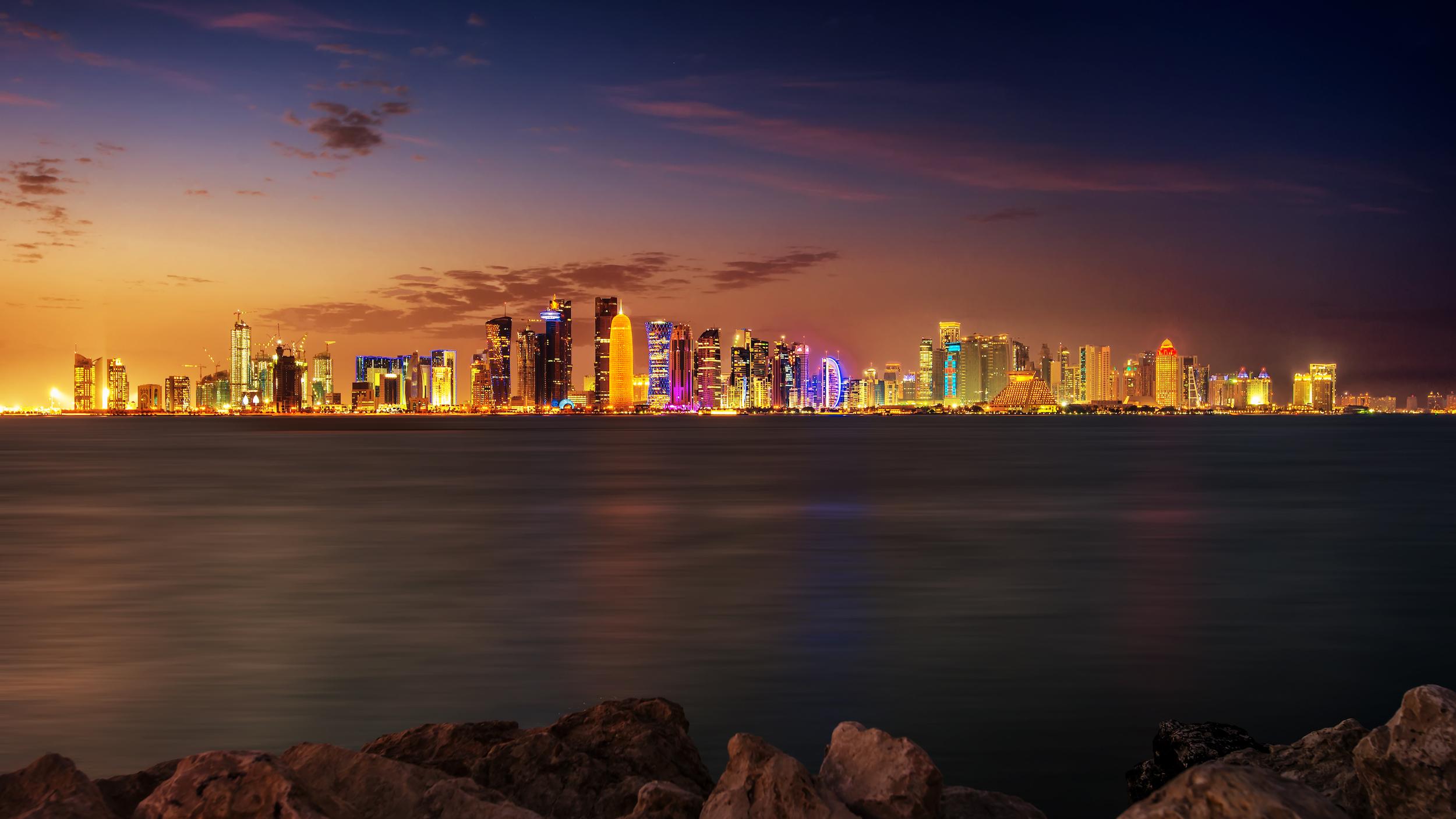 Doha skyline, la nuit, Qatar