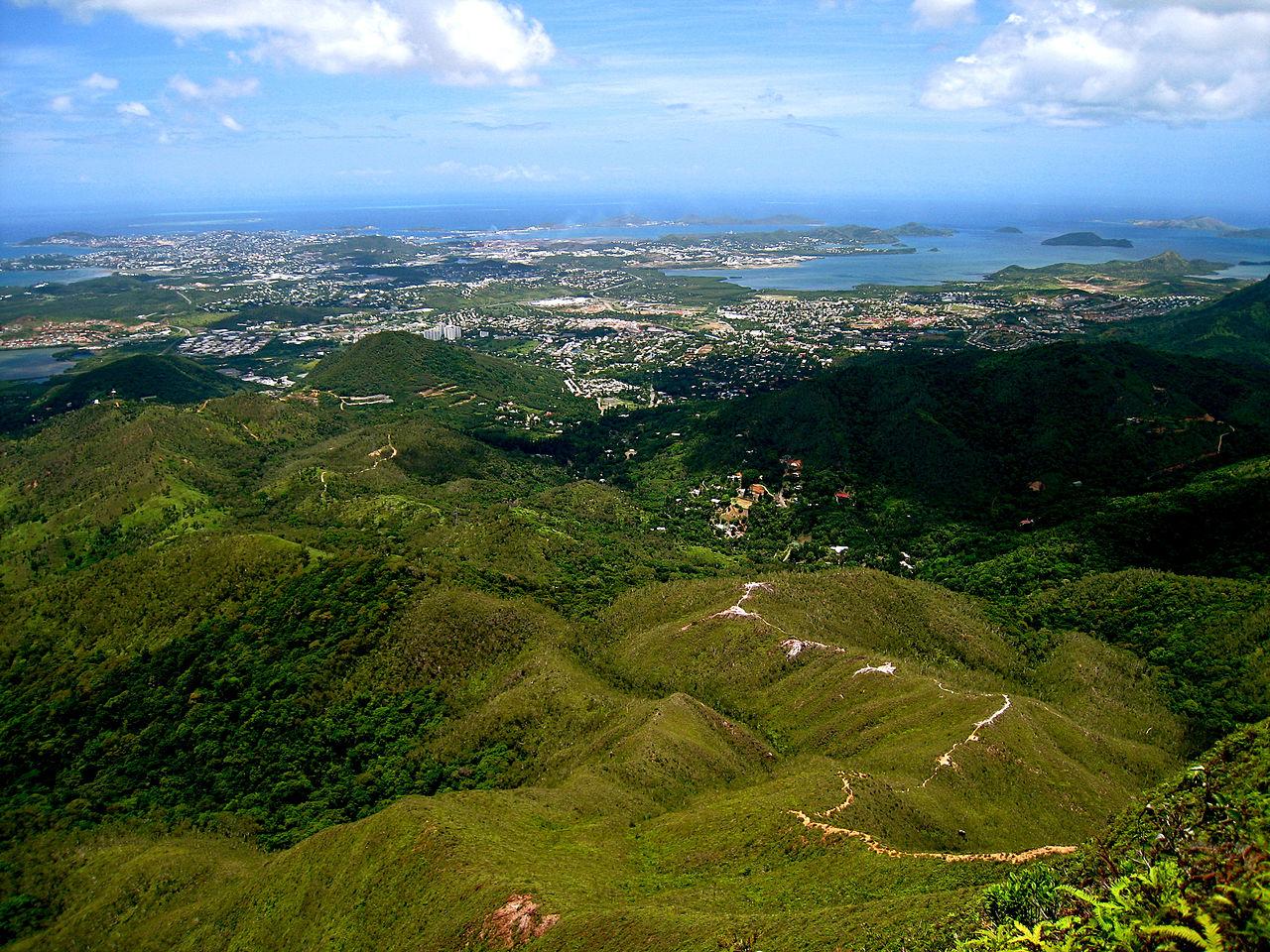 Monts Koghis - Pic Malaoui : vue sur Nouméa