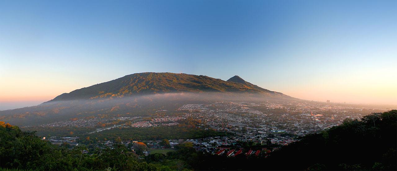 Santa Tecla et le volcan de San Salvador, Savaldor