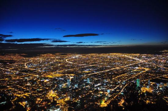 Bogotá, capitale de la Colombie, de nuit