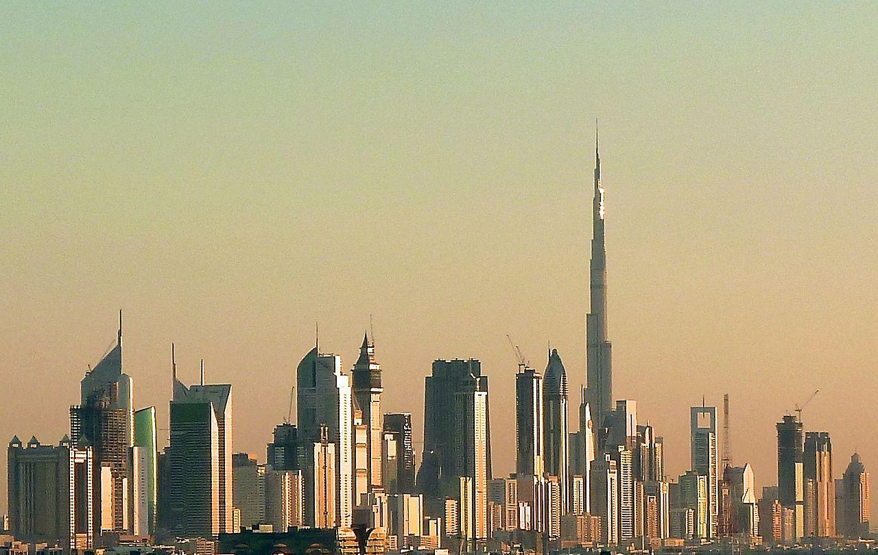 Doubaï et sa fameuse tour Burj Khalifa de 830 m de haut