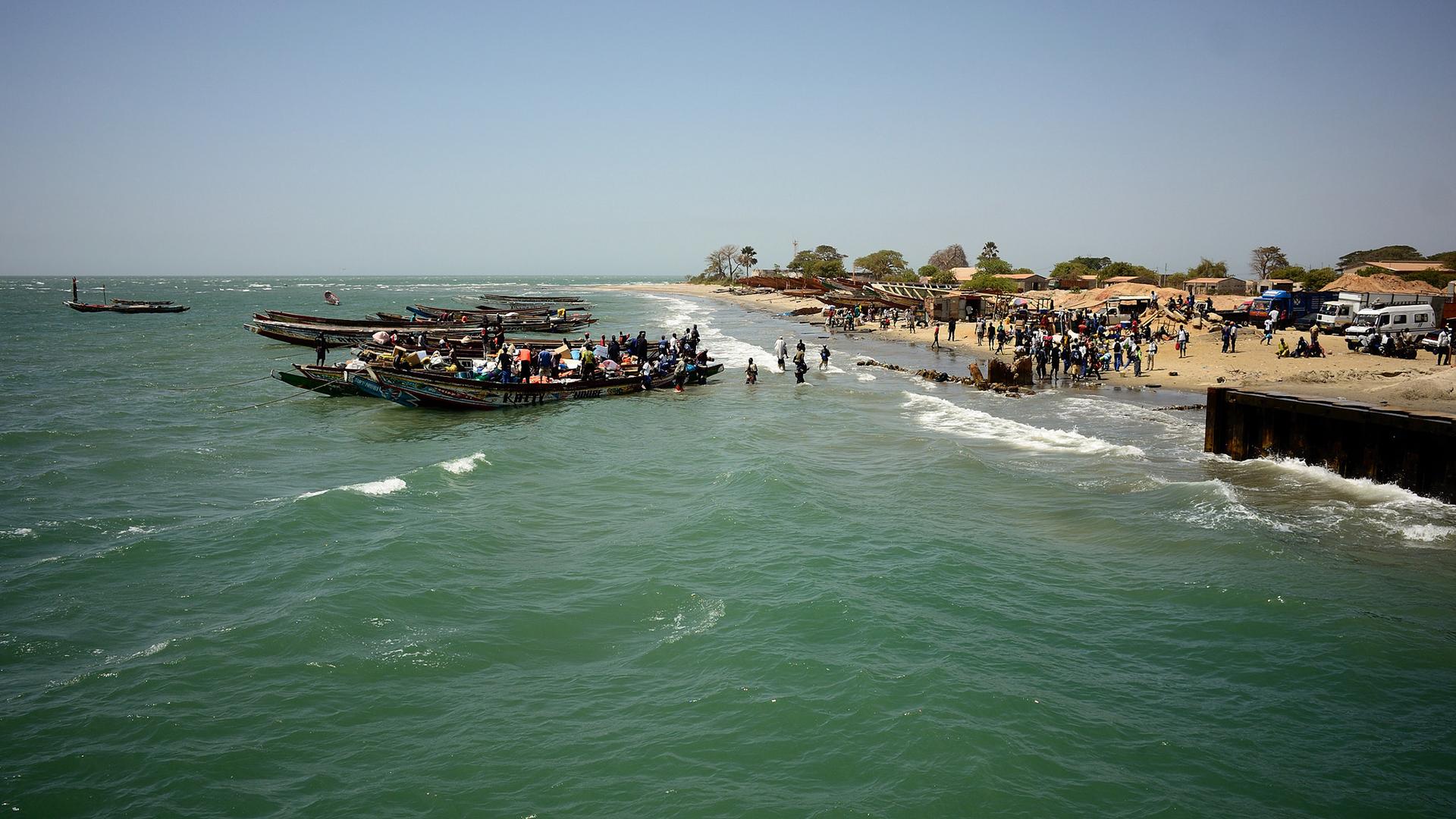 Gambie - traversée du fleuve Gambie à Banjul