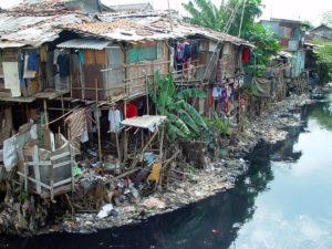 Bidonville à Jakarta, Indonésie