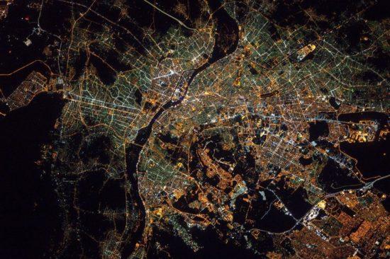 Le Caire, Égypte, vue la nuit depuis l'espace