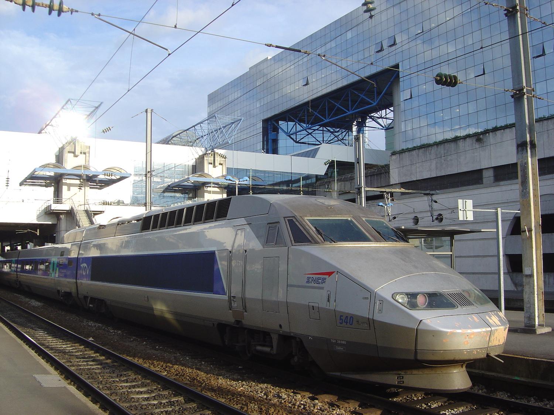 TGV en gare de Rennes, France