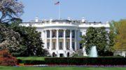 Biden entre à la Maison-Blanche, Trump en sort par la petite porte