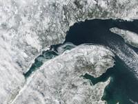 Canada : glace sur le fleuve Saint-Laurent