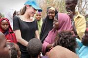 Kenya : Angelina Jolie dans le camp de réfugiés le plus vaste au monde